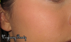 Applied over foundation/setting powder